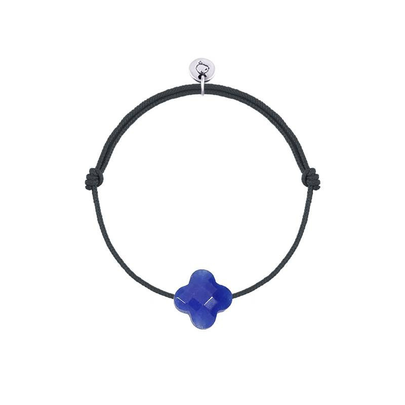 Tie bracelet with electric blue agate clover