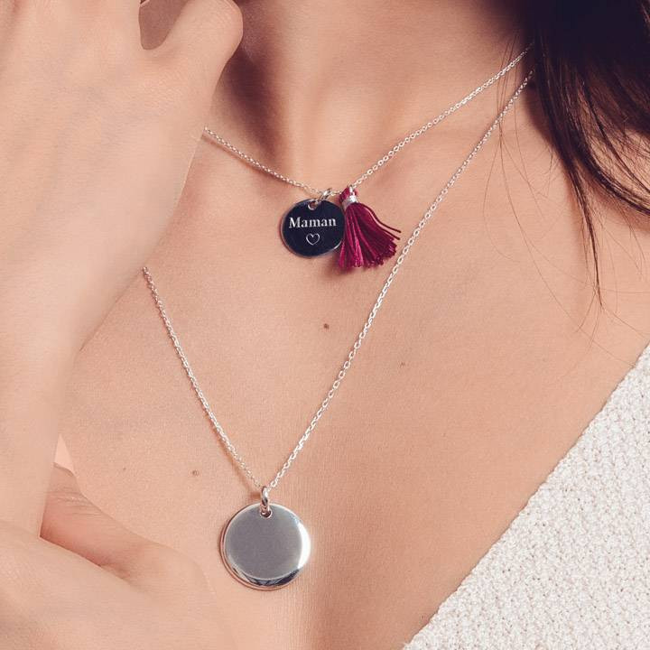 Chain necklace with pendant medal