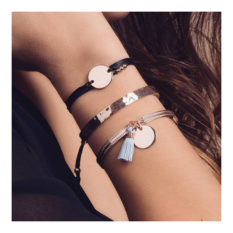 Waxed tie bracelet with rose gold-plated medal