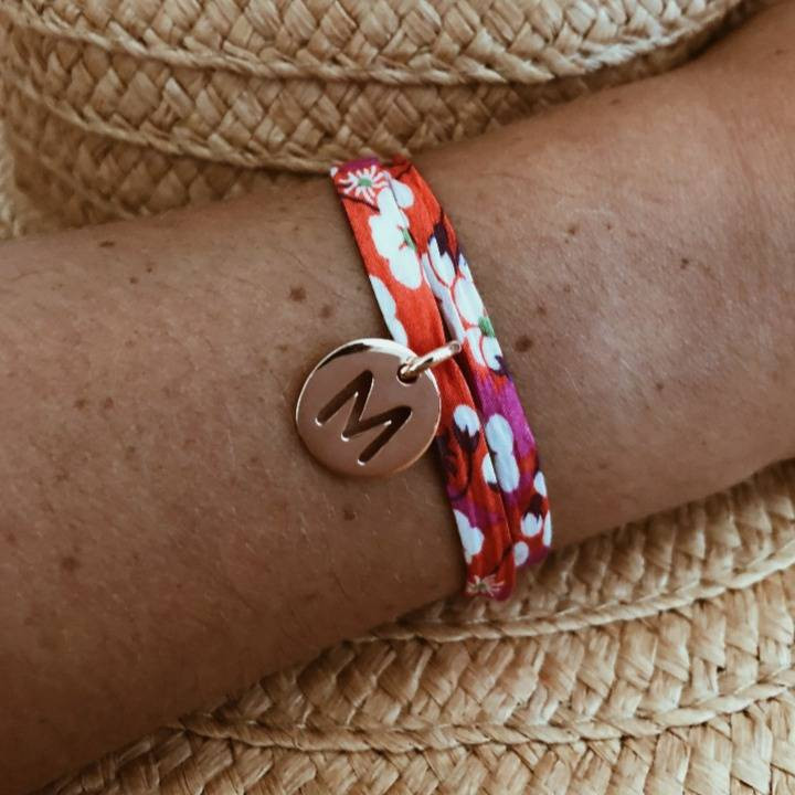 Liberty bracelet with rose gold-plated perforated initial medal