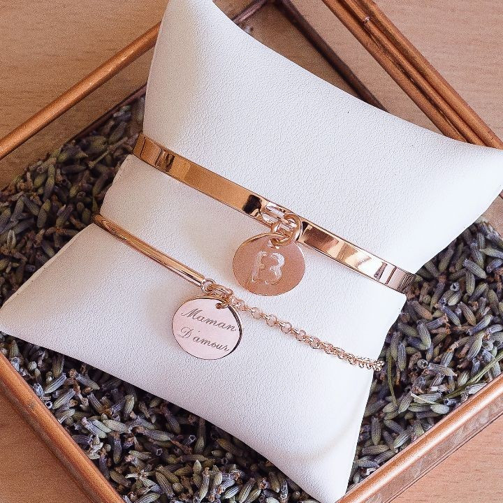 Lock bangle with initial letter