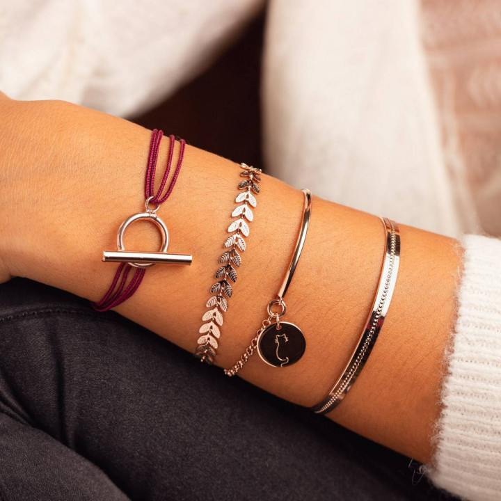 Tie bracelet with rose gold-plated T toggle