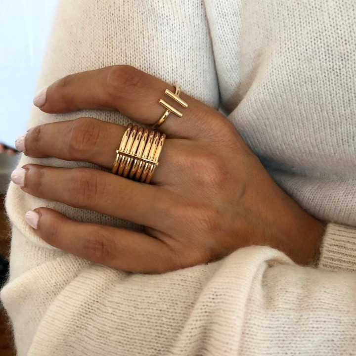 Seven gold-plated band thick ring