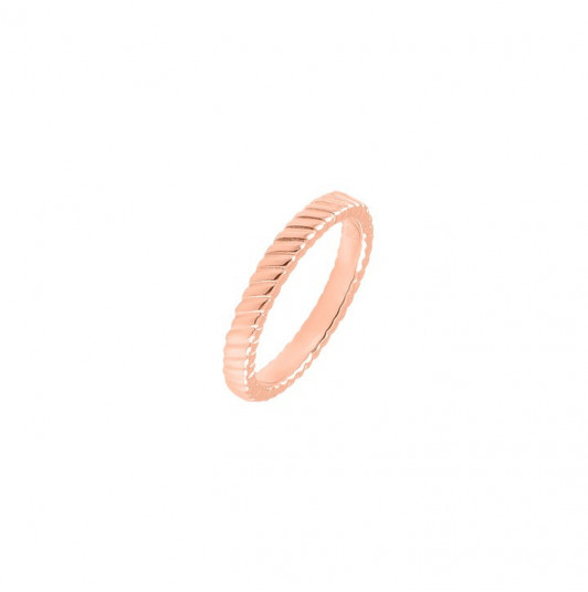 Striated ring