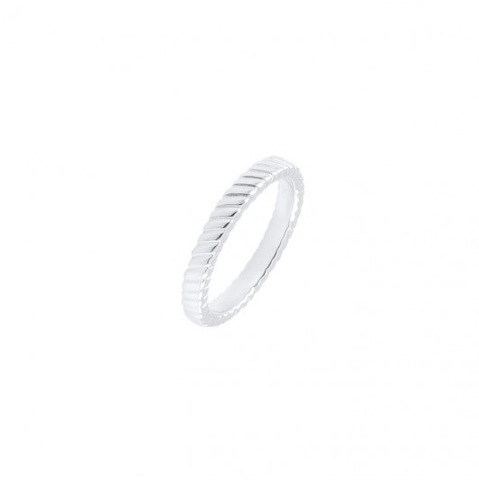 Silver striated ring