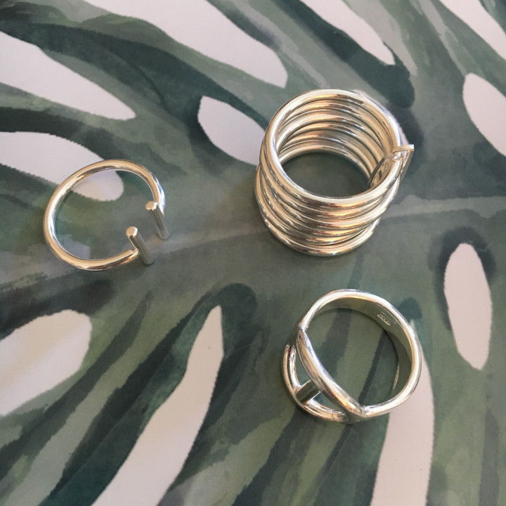 Seven band ring